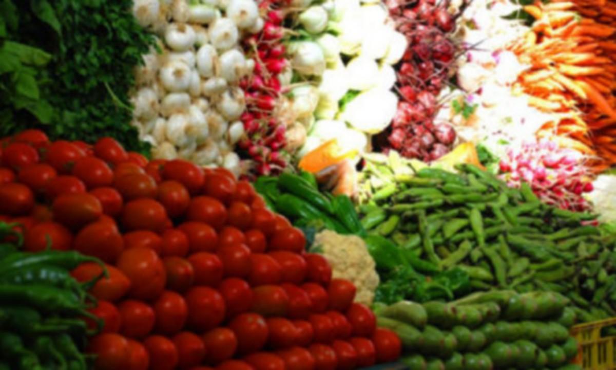 صفاقس: حجز 11 طنا من الخضر والغلال كانت تسوق خارج مسالك التوزيع الرسمية