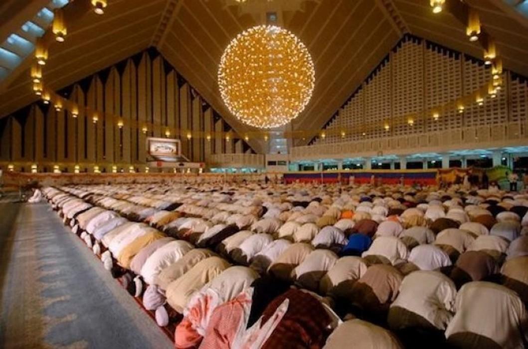 سلطنة عمان تمنع صلاة  العيد