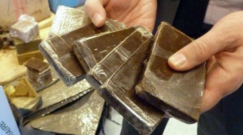 صفاقس: ضبط شخصين بحوزتهما 6 صفائح من مخدر القنب الهندي