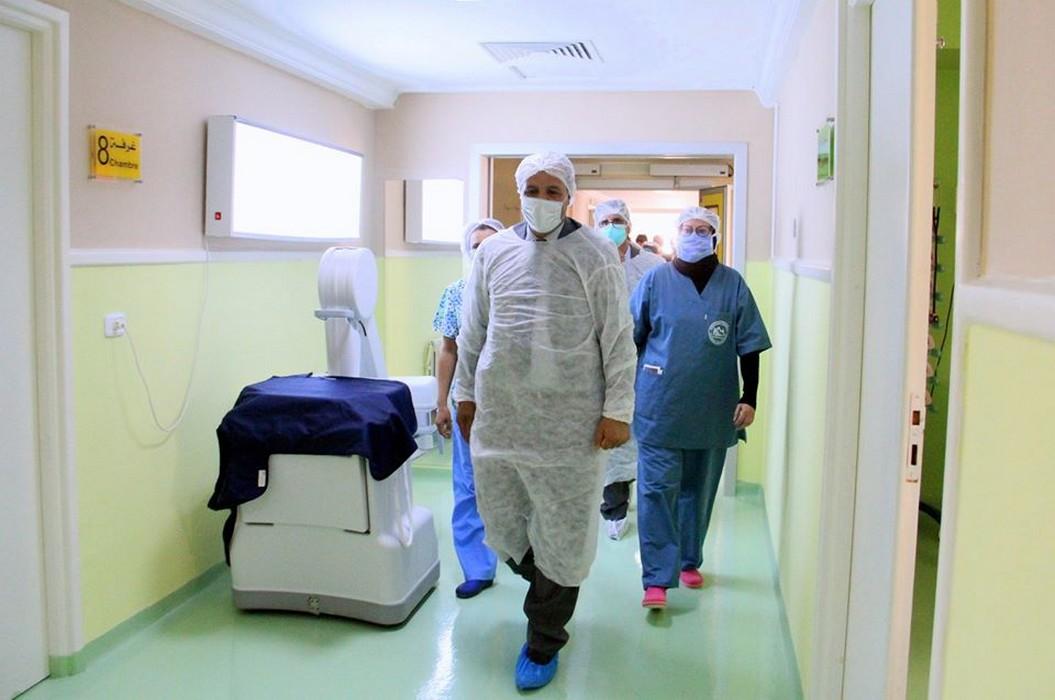 نصاف بن علية: حوالي 450 عون صحة مصاب بالكورونا تم عزلهم صحّيا