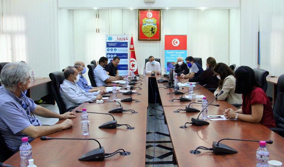 جلسة عمل حول دعم مستشفى عبد الرحمان مامي بأريانة