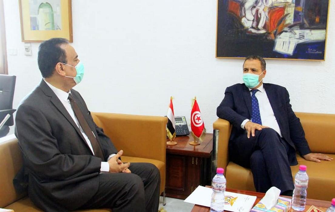 لقاء عبد اللطيف المكي بسفير اليمن لتعزيز التعاون الصحي بين البلدين