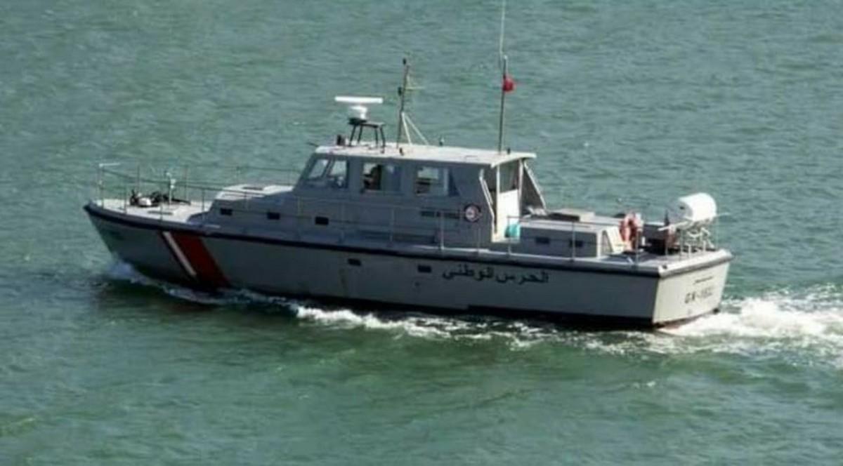 قرقنة: إحباط عمليّة اجتياز الحدود البحرية خلسة و إيقاف 22 شخصا