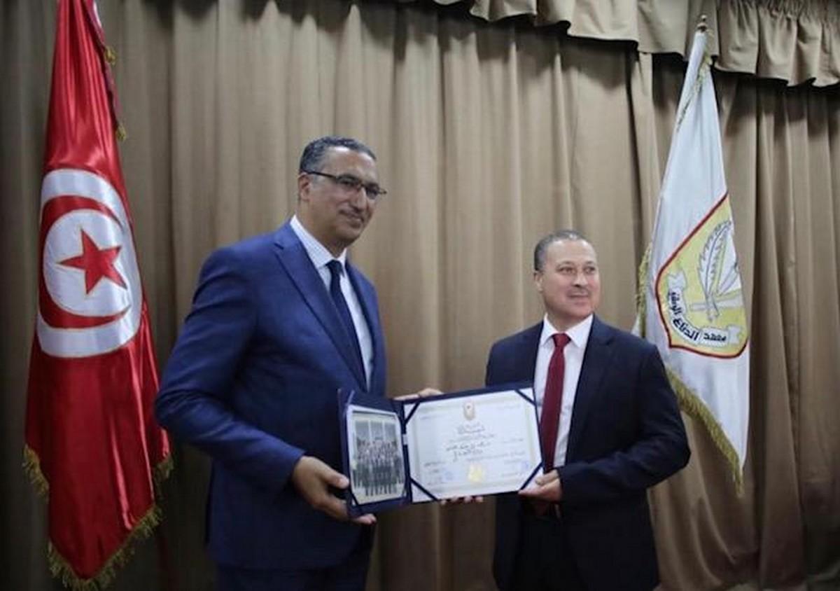 السيّد خالد بن عبد الله  يُحرز  على شهادة  معهد الدفاع  الوطني