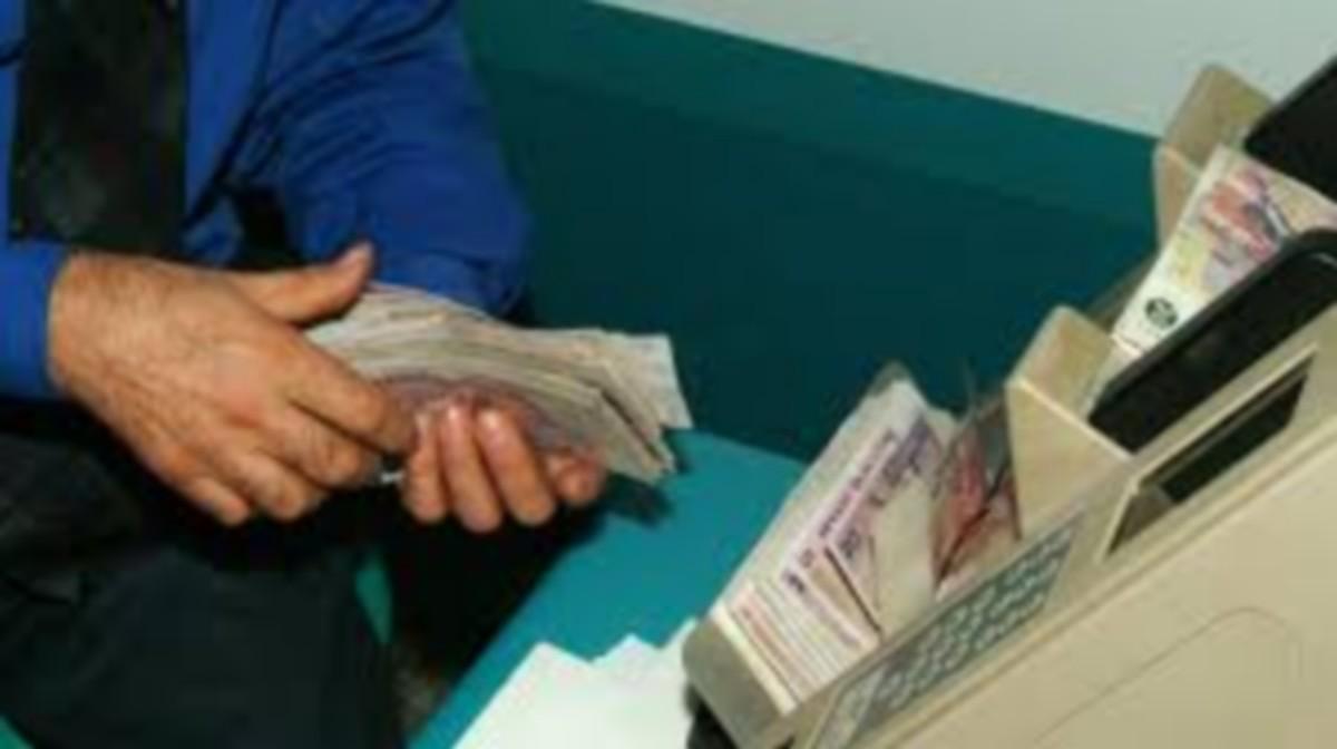 صفاقس بعض البنوك تقتطع القروض وتوظف عليها فوائض تأخير
