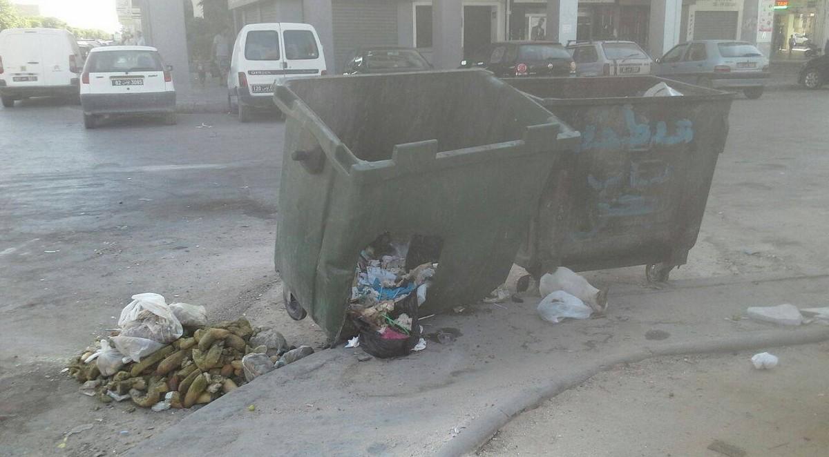 صفاقس : حاويات القمامة بباب بحر في حالة كارثية