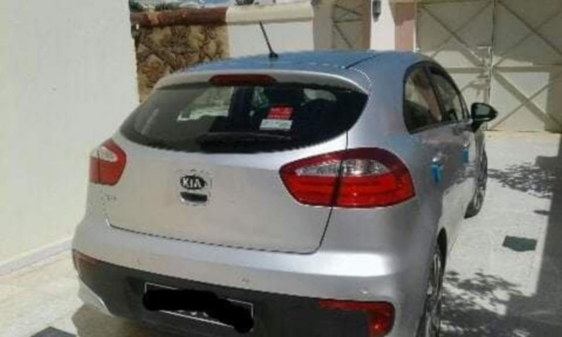 سيارة كيا ريو في حالة حسنة جدّا للبيع