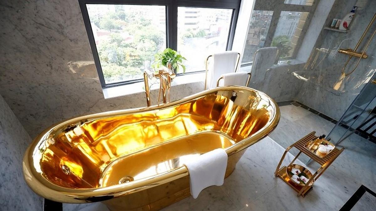 فيتنام.. افتتاح أول فندق مطلي بالذهب في العالم