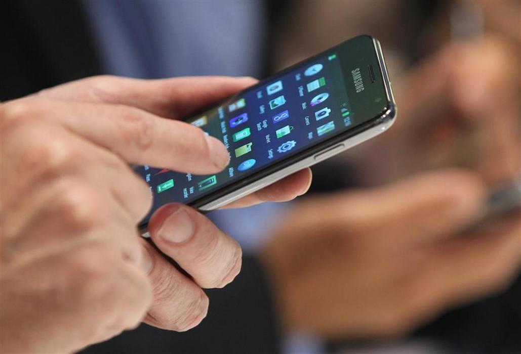 مسابقات وإغراءات مُزعجة كل يوم من شبكات الهاتف الجوال