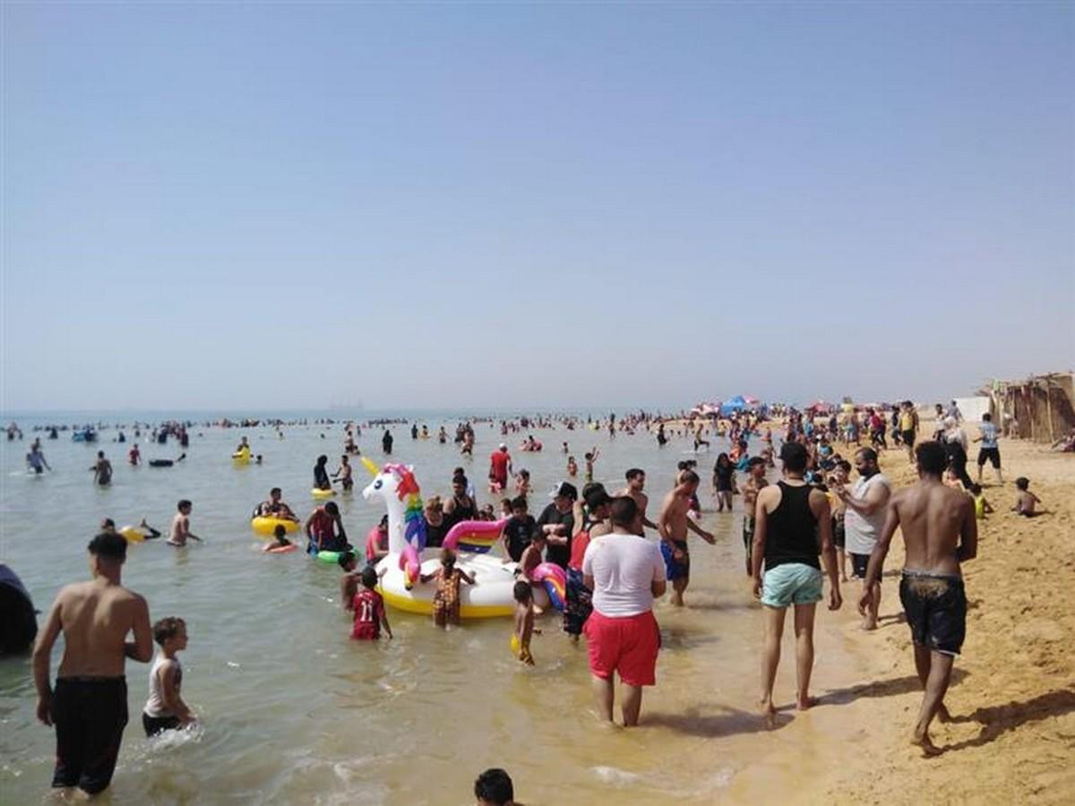 صفاقس :شاطئ  الشفار بدون  بروتوكول صحّي والعناية  مفقودة  تماما