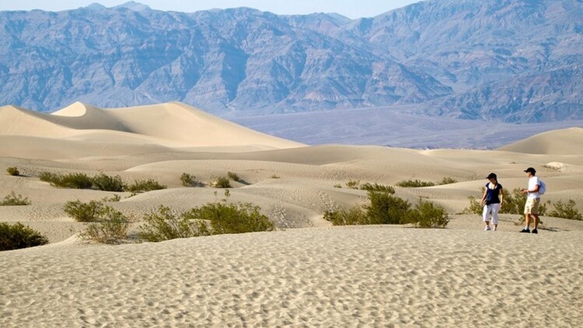 وادي الموت  يسجل أعلى درجة حرارة على سطح الأرض في أكثر من مائة عام