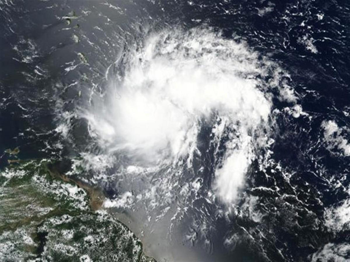 ما حقيقة الإعصار الذي يهدّد تونس خلال الأيام القادمة؟