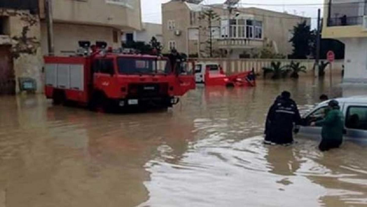 سوسة: مياه الأمطار تتسرب إلى المنازل والحماية المدنية تتدخل لشفط المياه