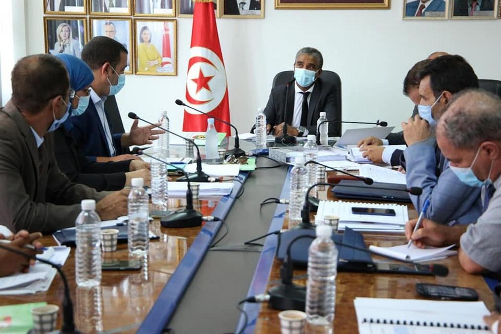 وزارة الشباب والرياضة تبحث سبل دعم  نشاط الجامعة التونسية للرياضة المدرسية والجامعية