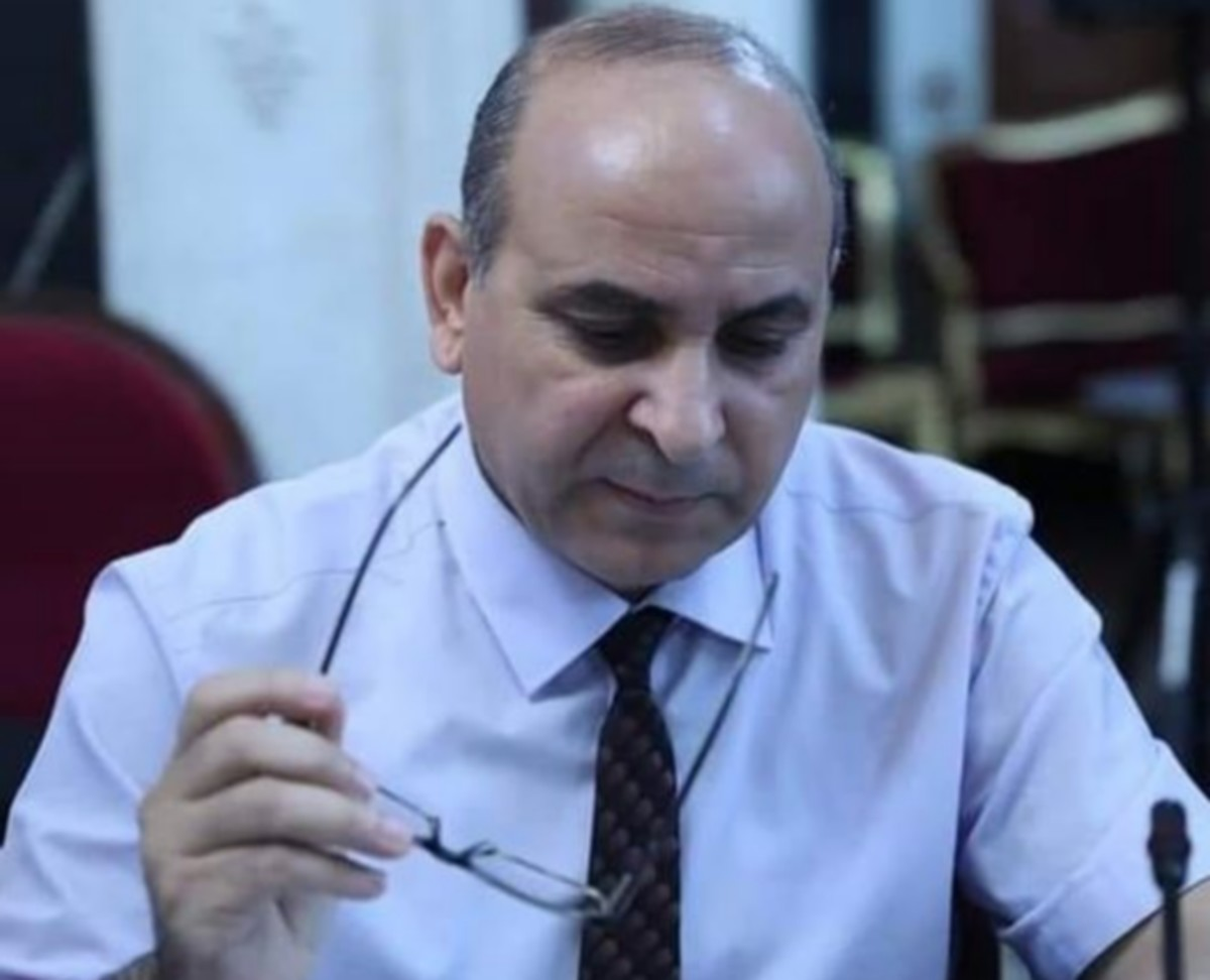 النائب المجمد عبد اللطيف العلوي يطالب بإسترجاع كتبه التي أهداها للرئيس