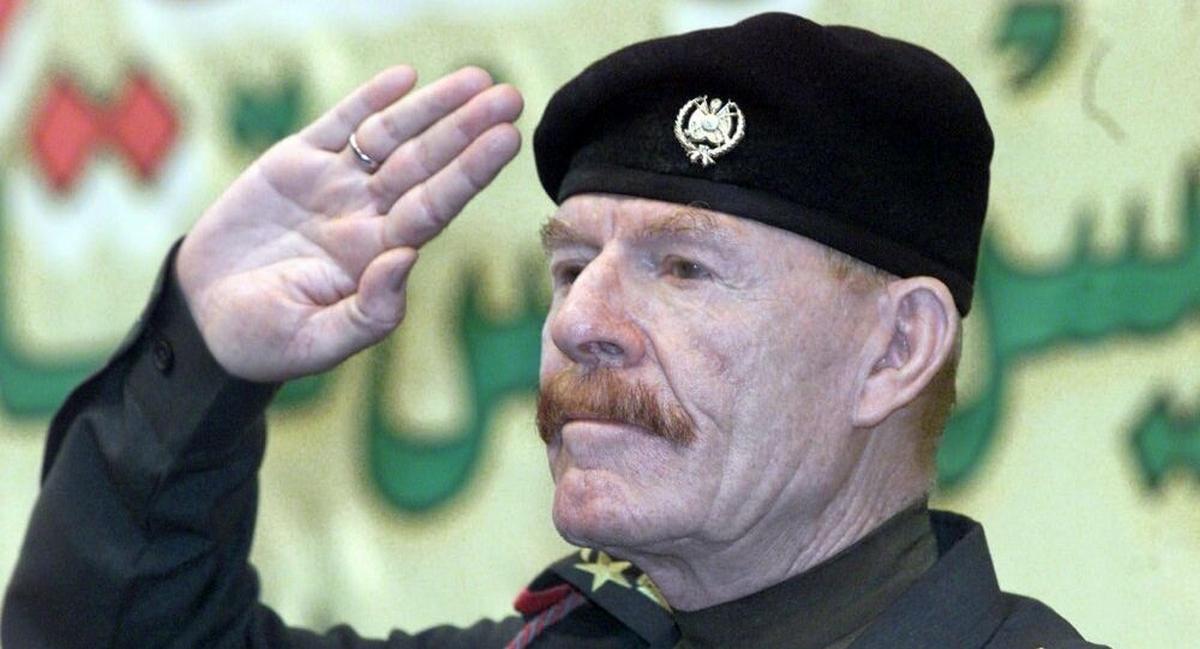 وفاة عزت الدوري الذراع الأيمن لصدام حسين