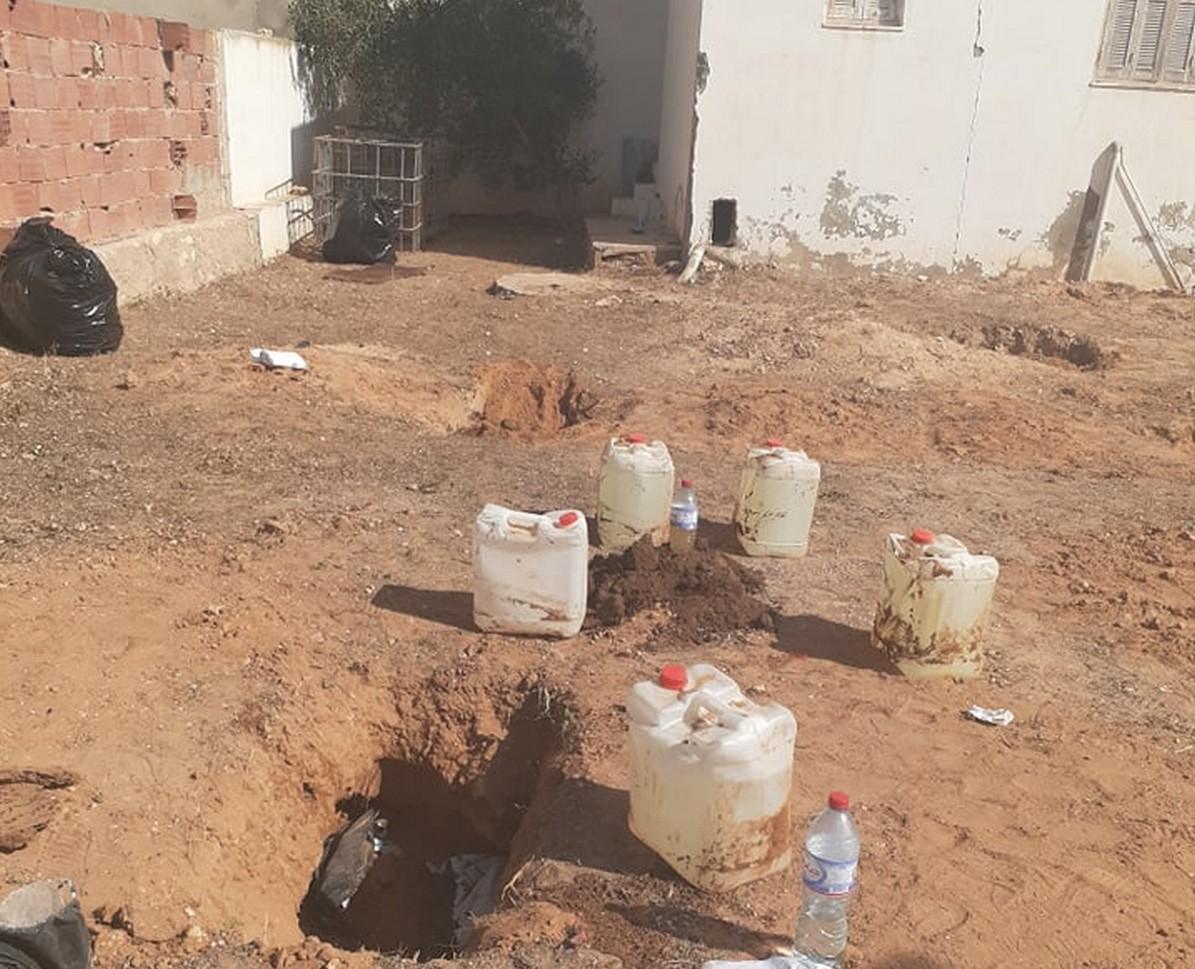 خطير  صفاقس : العثور  على  كمية  من  المواد  الكيمائيّة الخطيرة مدفونة  في  قرمدة