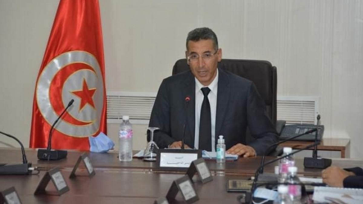 رئيس الحكومة يكلف وزير الدّاخليّة  بالتحول  الى  القصرين