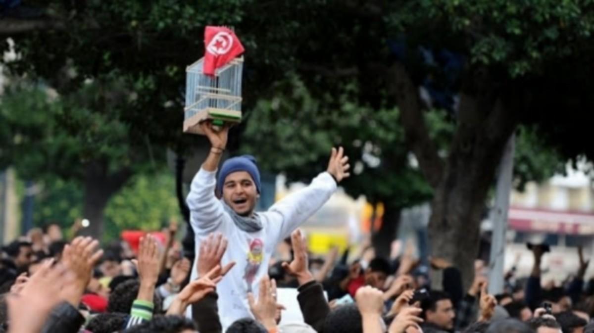 وتنتصر الثورة … ونغني ماأحلى الثورة