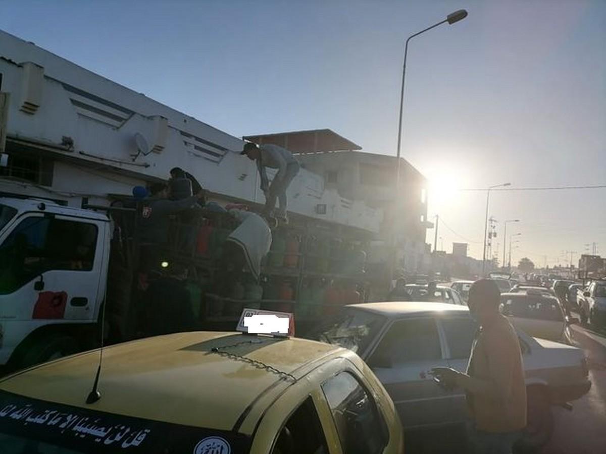 صفاقس:هل السلطة الجهويّة على علم بذلك...قارورة الغاز ب 10دنانير من الشاحنة