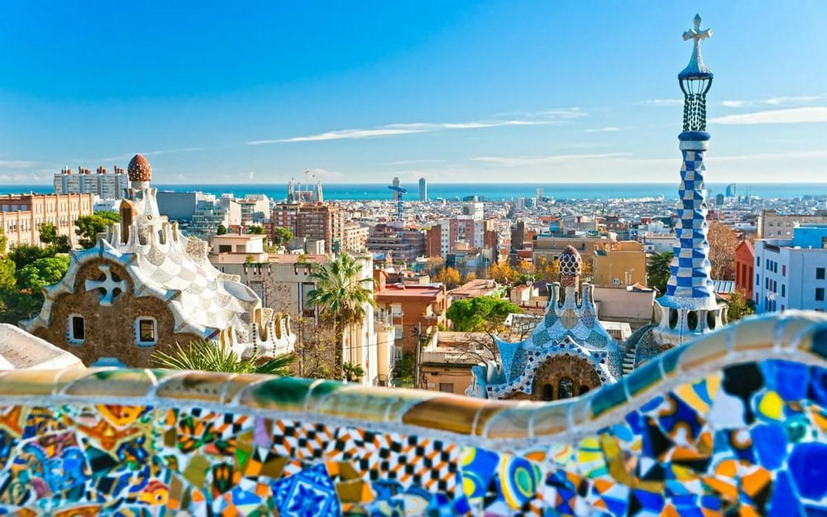 بسبب جائحة كورونا : 550 فندقا للبيع في إسبانيا