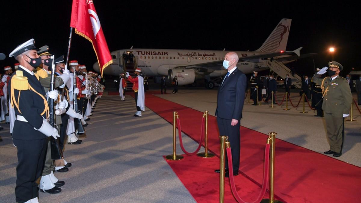 رئيس الجمهورية يعود الى أرض الوطن بعد اختتام زيارته إلى قطر