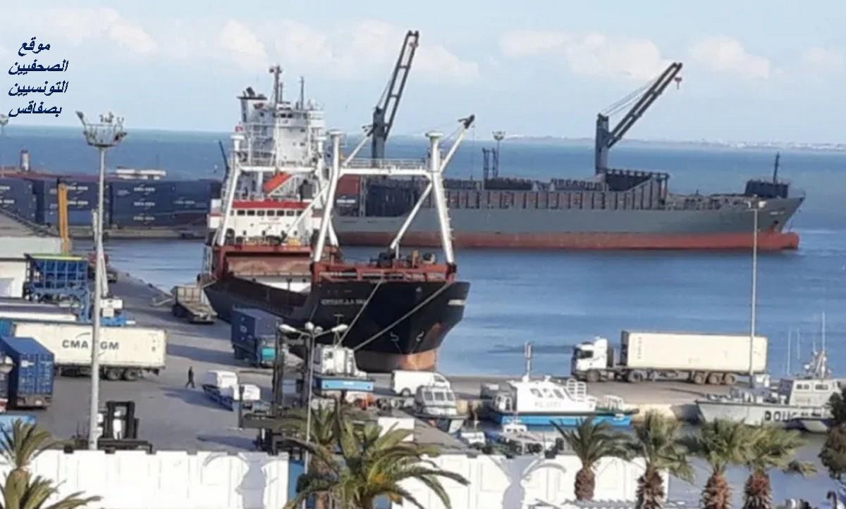 بعد نشر فيديو يفيد بوصول شحنات من القمح والفرينة الفاسدة لميناء سوسة: النيابة العمومية تتحرك