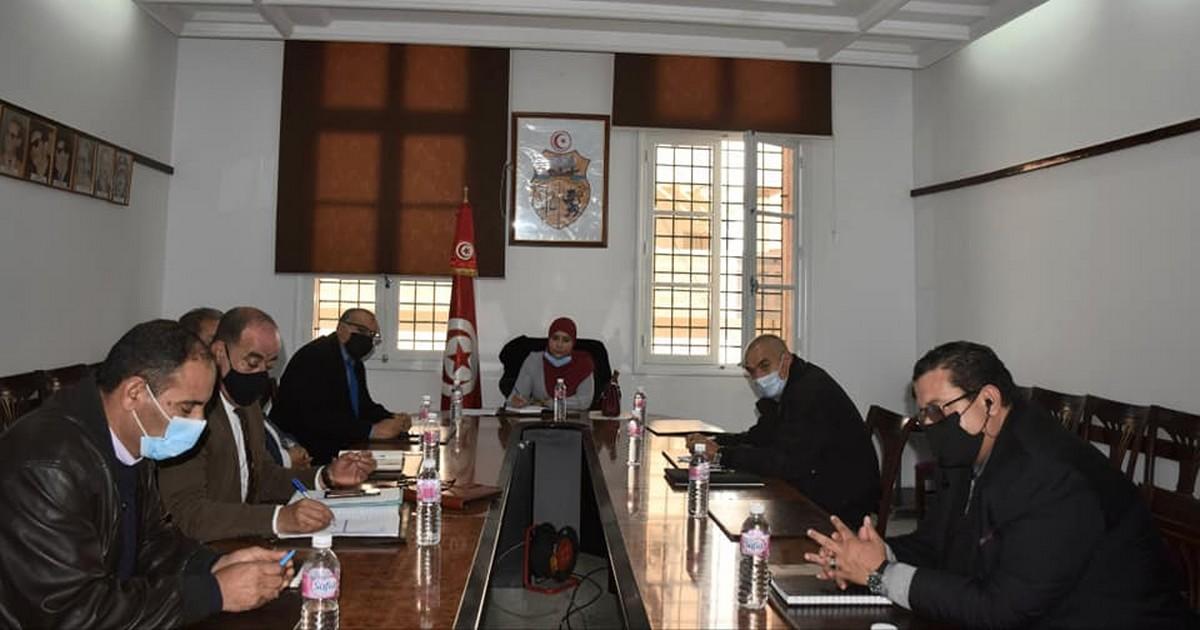 جلسة عمل  بولاية صفاقس بحضور  النائب مريم بن  بلقاسم
