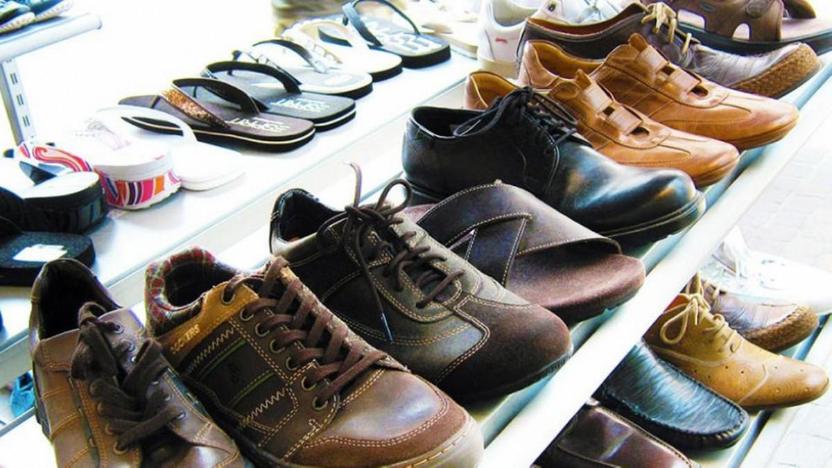وزارة التجارة تدعو موردي الأحذية الى احترام مقتضيات التّوريد الجديدة التي تدخل حيّز التّنفيذ يوم 1 اوت 2021