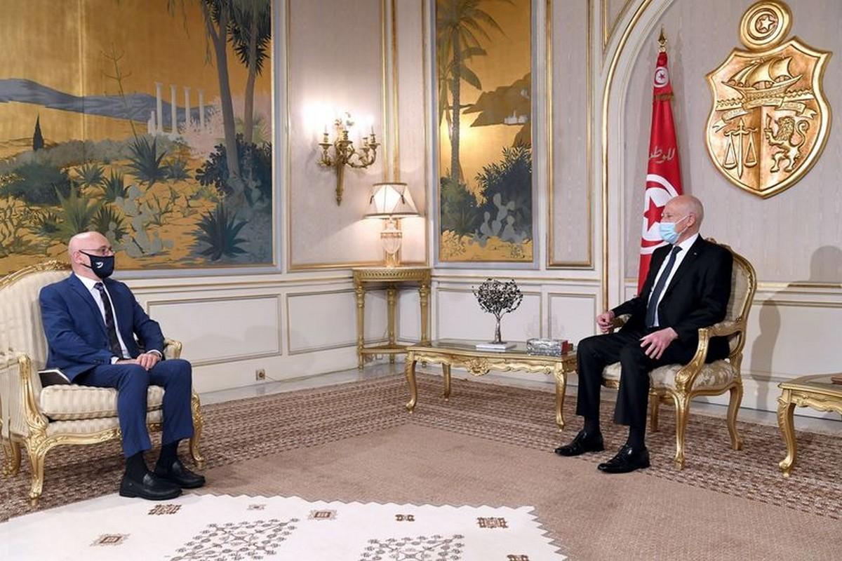 قيس  سعيد  يستقبل  ممثل منظمة الصحة العالمية في تونس الدكتور إيف سوتيران