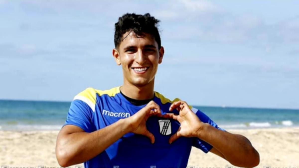عمامو  يتقدم  بشكوى ضد  فريقه النادي الرياضي الصفاقسي