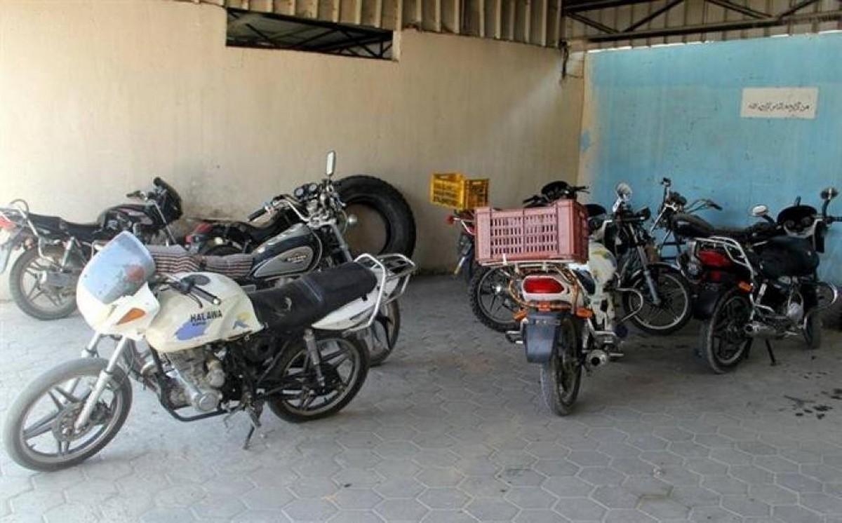 استرجاع سيارة ودراجات نارية مسروقة من مستودع الحجز البلدي بجمّال