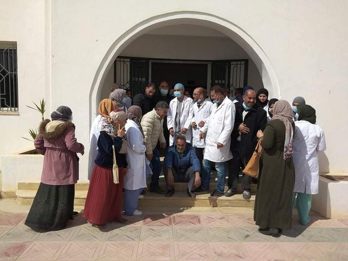 بن قردان: أعوان الصحة يطالبون مدير المستشفى الجهوي بالتنحي من منصبه
