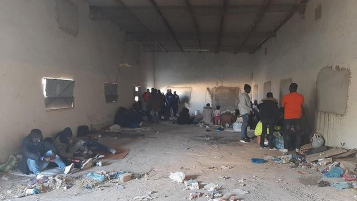 صفاقس : مصلحة الطريق العمومي تحبط عملية هجرة سرية لاكثر من 50 حارقا افريقيا
