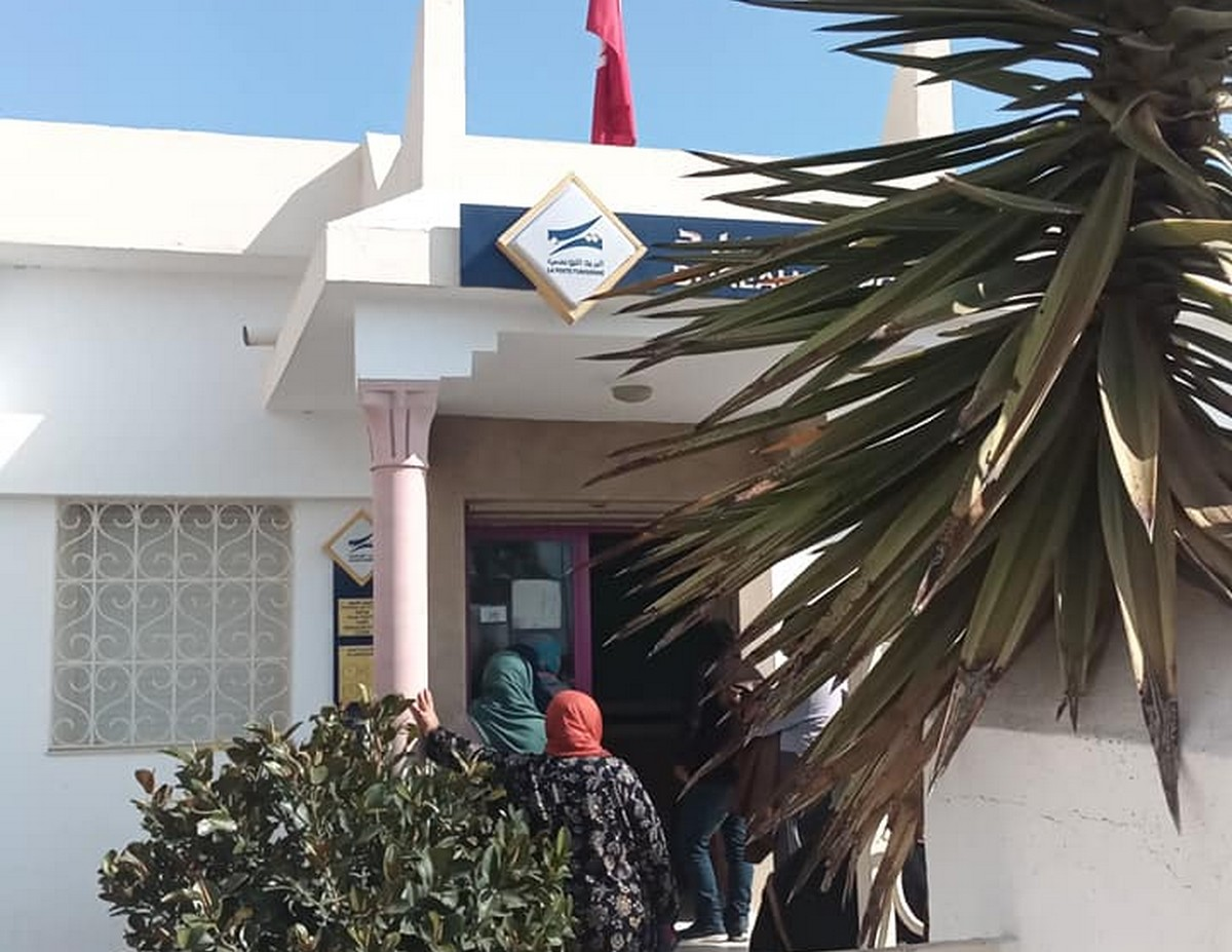 فوج اللوزة للكشافة التونسية يواصل  تدخلاته في  المؤسسات العمومية
