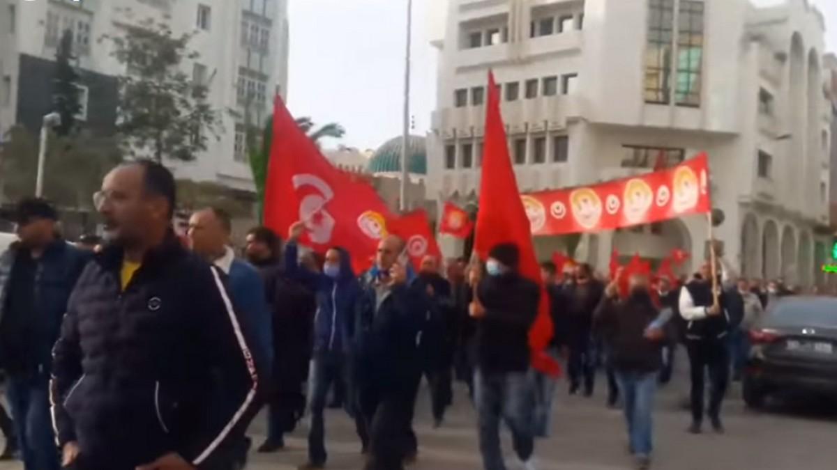 صفاقس : مسيرة لاصحاب  سيارات التاكسي