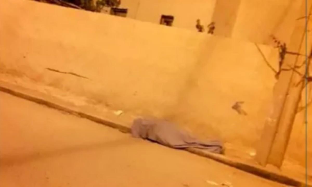 جثة ملقاة على قارعة  الطريق  في  العوابد : هل  هو ضحيّة فيروس كورونا