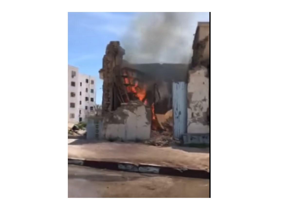 حريق بطريق منزل شاكر قرب جامع مركز شاكر