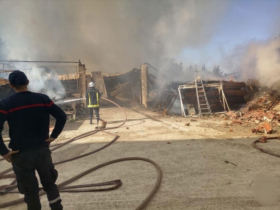 أوتيك بنزرت: حريق يأتي على مصنع للموبيليا