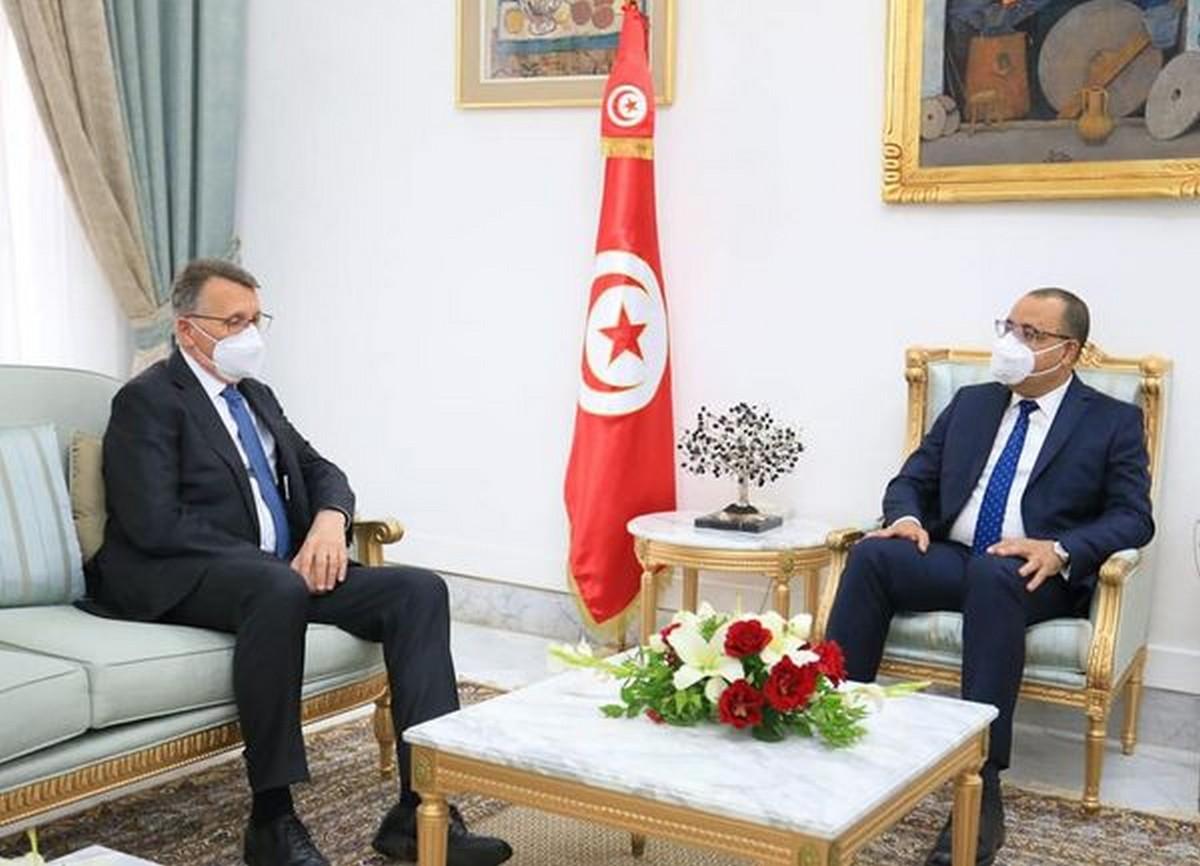 رئيس الحكومة يلتقي سفير جمهورية ألمانيا الاتحادية بتونس