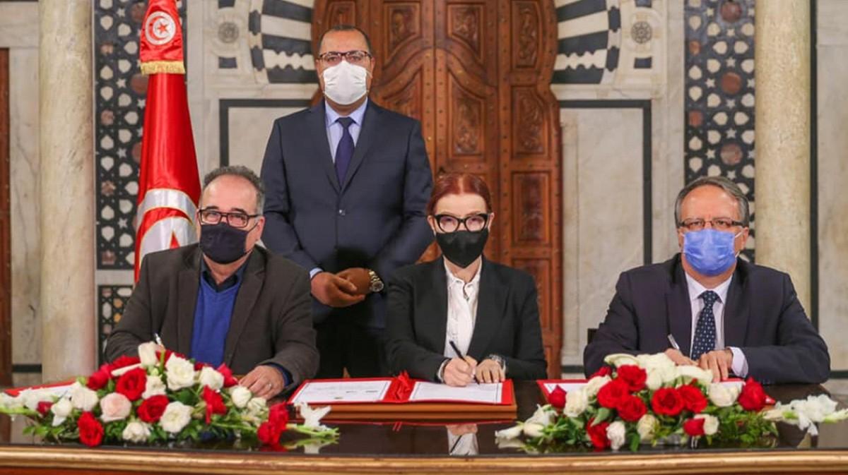 توقيع اتفاق تسوية الديون المتخلدة بذمة الجمعيات الرياضية