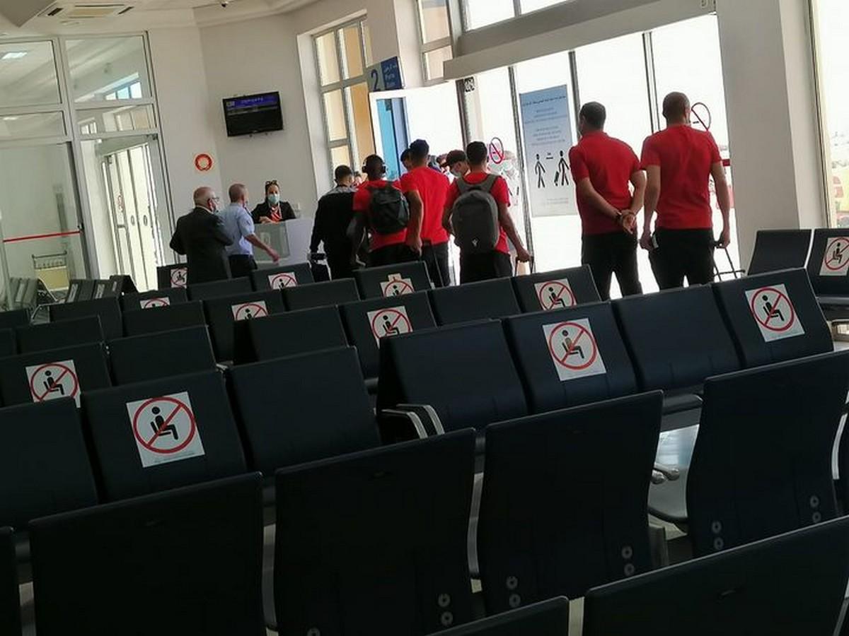 وصول فريق النادي الصفاقسي الى الجزائر