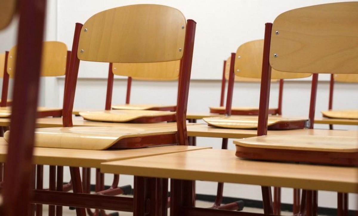 رجال  تربية  قطعوا مسافات طويلة ليجدوا نسبة غياب  التلاميذ 100بالمائة