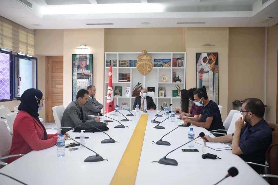 جلسة عمل خاصة بمتابعة أبرز الاستعدادات لتنظيم الدورة الثالثة لأيام قرطاج الكوريغرافية
