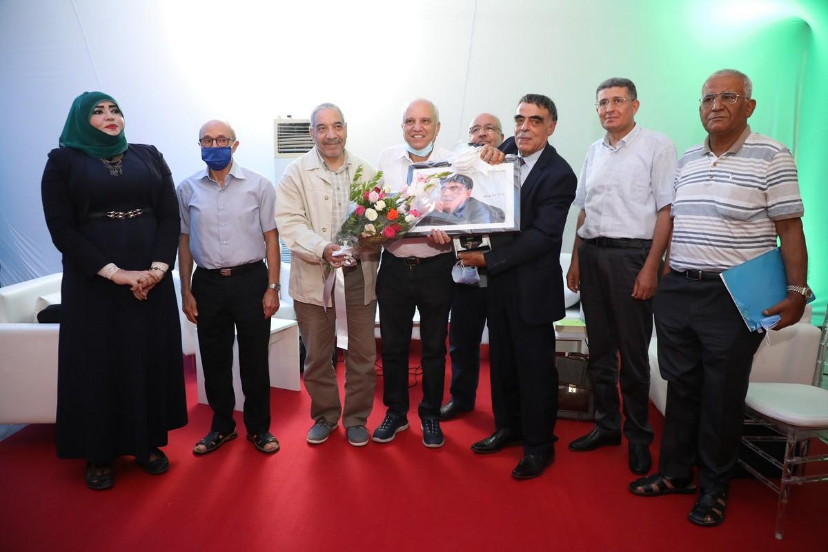 المعرض الوطني للكتاب التونسي :تكريم محمد الخبو