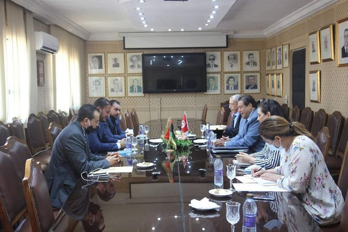 المدير العام للديوانة يلتقي مع   القنصل العام الليبي بتونس