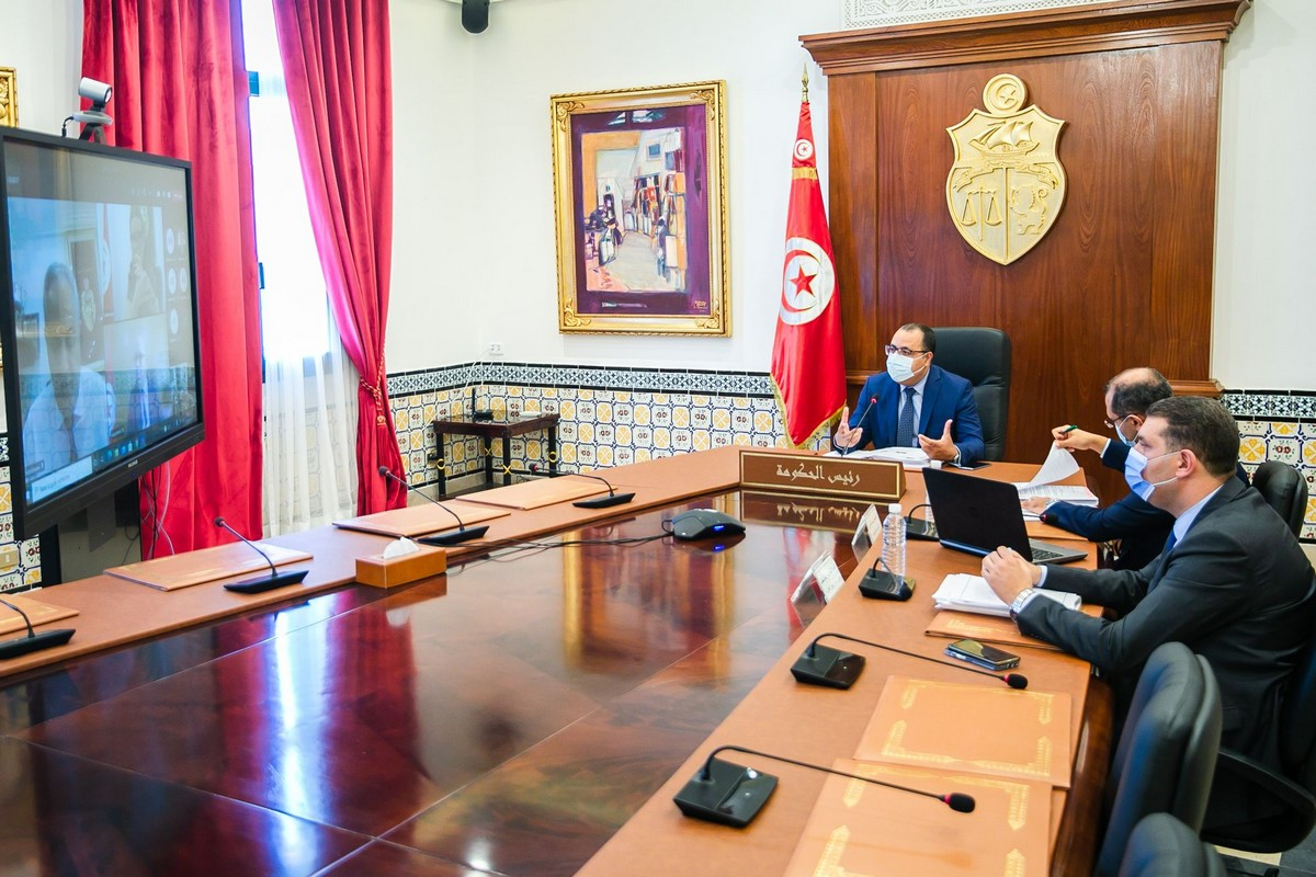 اجتماع باشراف رئيس الحكومة للنظر في الوضع الوبائي وسبل الحد من انتشار فيروس كورونا