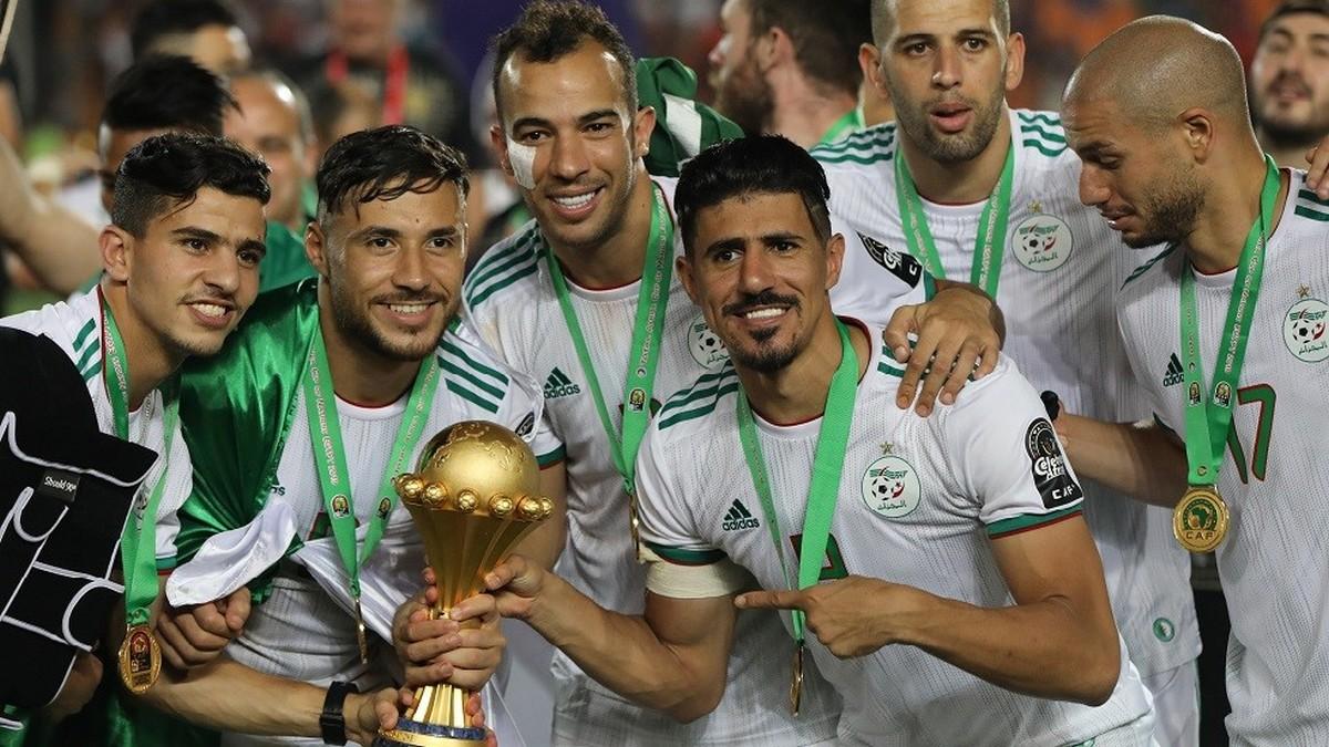 المنتخب الجزائري يصل الى تونس