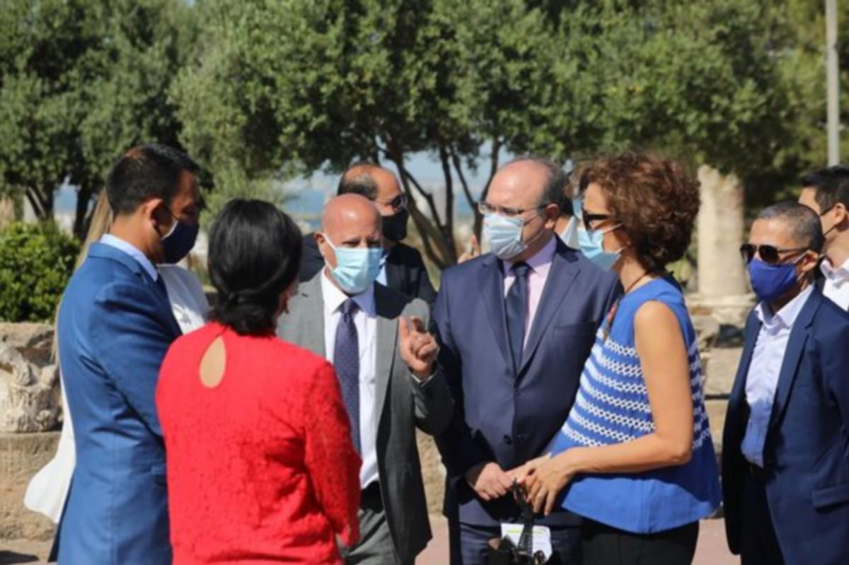 وزير الشؤون الثقافية يرافق المديرة العامة لليونيسكو في زيارة إلى المعالم التاريخية   بقرطاج