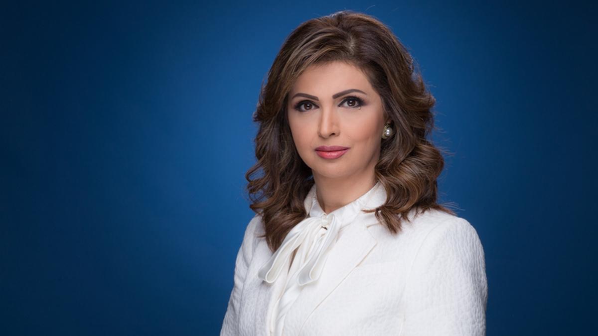 مُذيعة قناة الجزيرة إيمان عياد تعلن تضامنها مع تونس